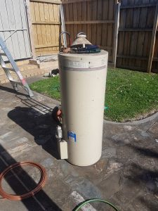 Hot Water Upgrade Essendon | Old Rheem 90 Litre HWS | Finlay Plumbing